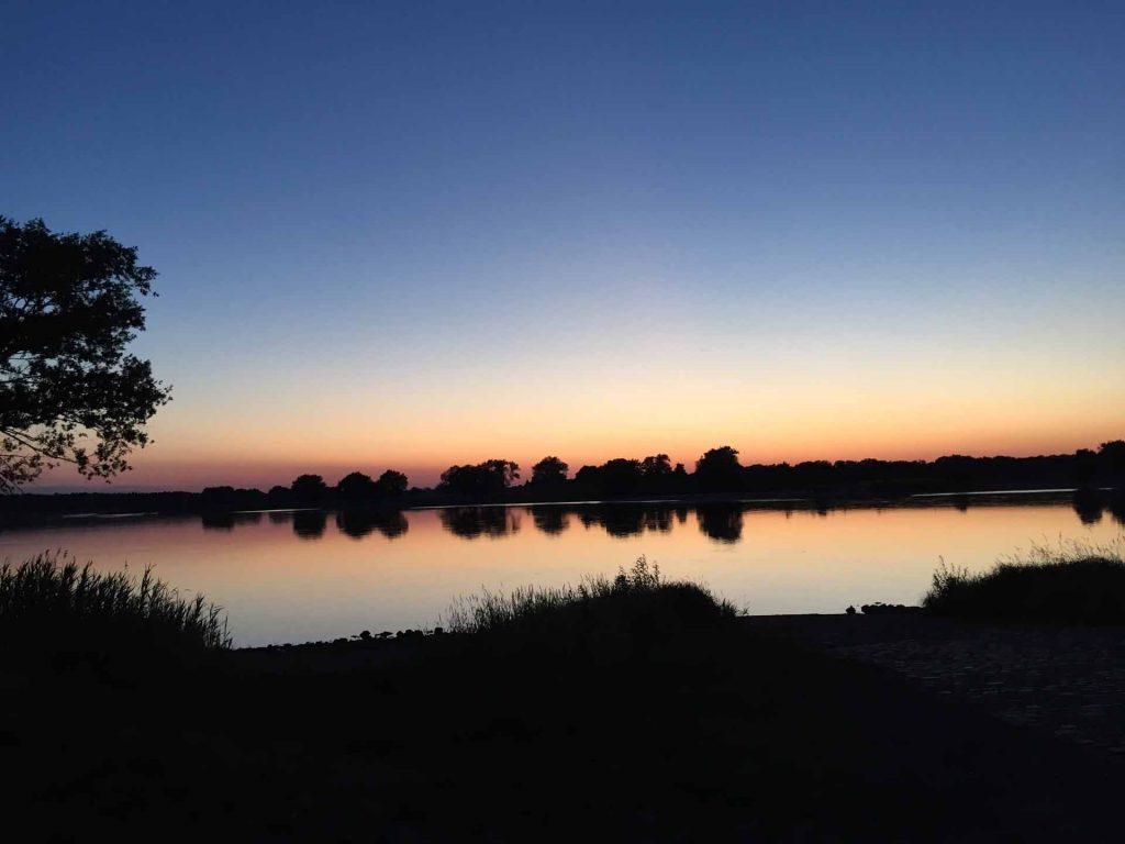 Sonnenuntergang an der Elbe